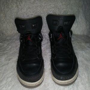 Air Jordan spizike sneakers size 5 youth
